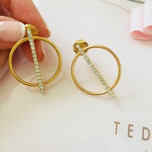 Jewelry - NEW Gold Circle CZ Bar Modern Earrings